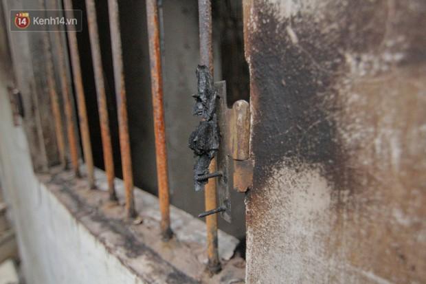 Ảnh, clip: Khung cảnh tan hoang bên trong dãy trọ bị giặc lửa thiêu rụi ở Hà Nội - Ảnh 17.