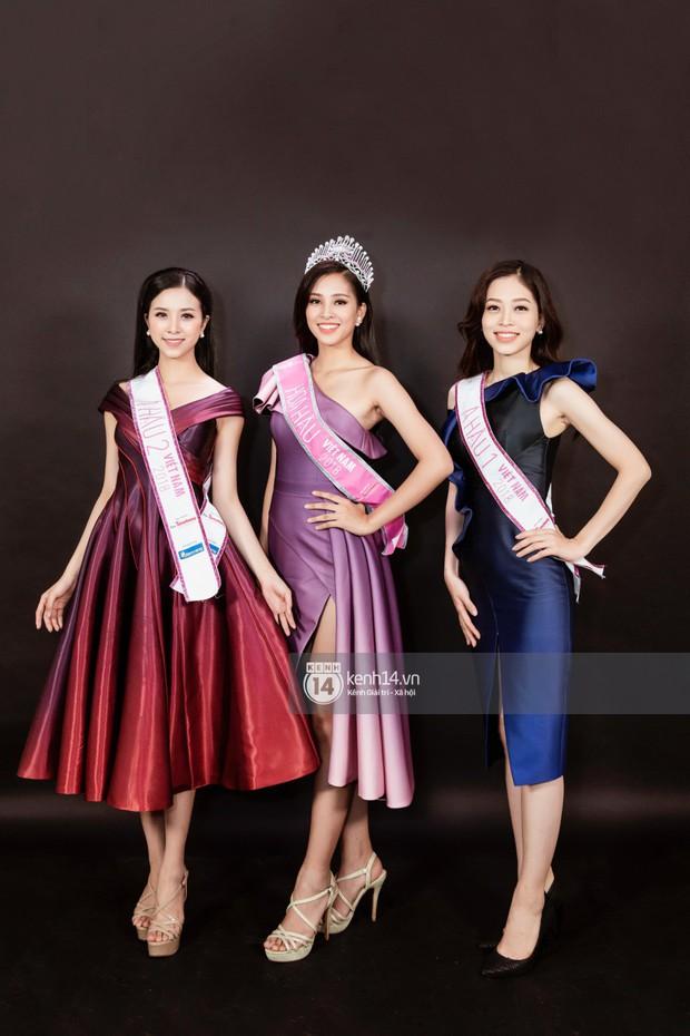 Ngắm Hoa hậu Trần Tiểu Vy sắc sảo bên cạnh Á hậu Phương Nga và Thúy An  - Ảnh 3.