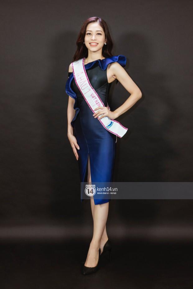 Ngắm Hoa hậu Trần Tiểu Vy sắc sảo bên cạnh Á hậu Phương Nga và Thúy An - Ảnh 8.