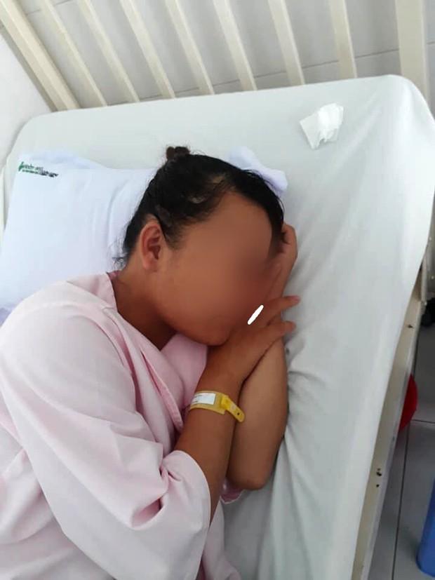 Vụ song thai chết lưu trong bụng mẹ: Tạm ngưng công việc của bác sĩ trong ca trực, chờ kết quả giám định pháp y - Ảnh 2.