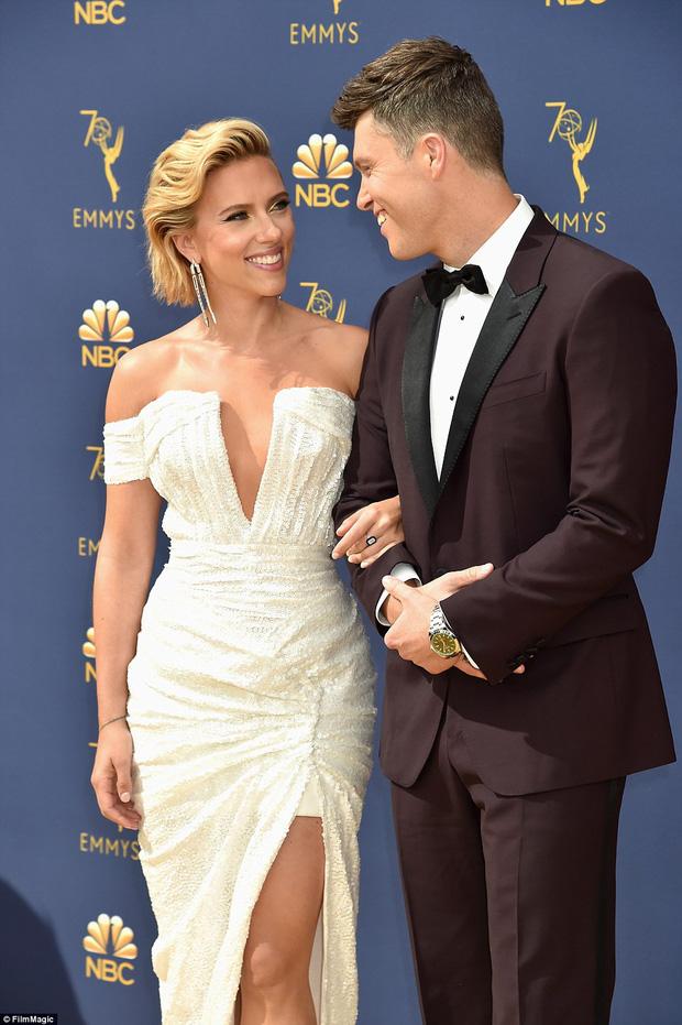 Lễ trao giải Emmy 2018: Lóa mắt với vẻ đẹp sang trọng của dàn mỹ nhân Hollywood, nhân vật cuối gây sốc với màn hở ngực - Ảnh 2.