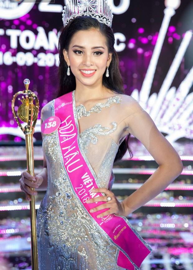 Hoa hậu Trần Tiểu Vy được báo Trung Quốc khen ngợi - Ảnh 6.
