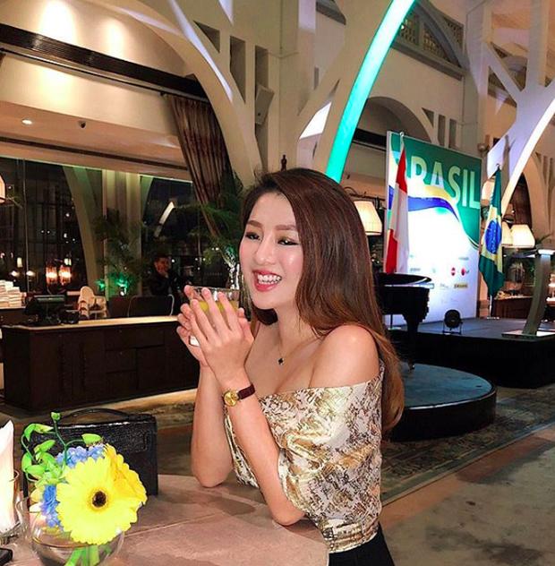 Thần thái đỉnh cao của nữ giám đốc Singapore giúp cô nổi bật trong hội Rich Kid châu Á - Ảnh 1.