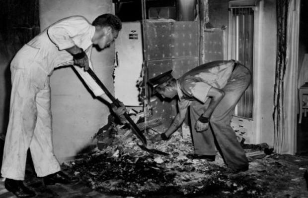 Vụ án bí ẩn thách thức khoa học suốt 70 năm qua: Người phụ nữ cháy rụi thành tro bụi bên trong căn hộ gần như nguyên vẹn - Ảnh 2.