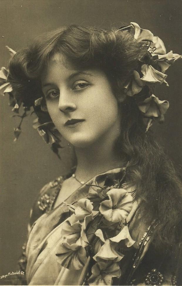 Ngắm loạt ảnh có niên đại hơn trăm năm tuổi để biết phụ nữ thời xưa đẹp đến thế nào - Ảnh 17.