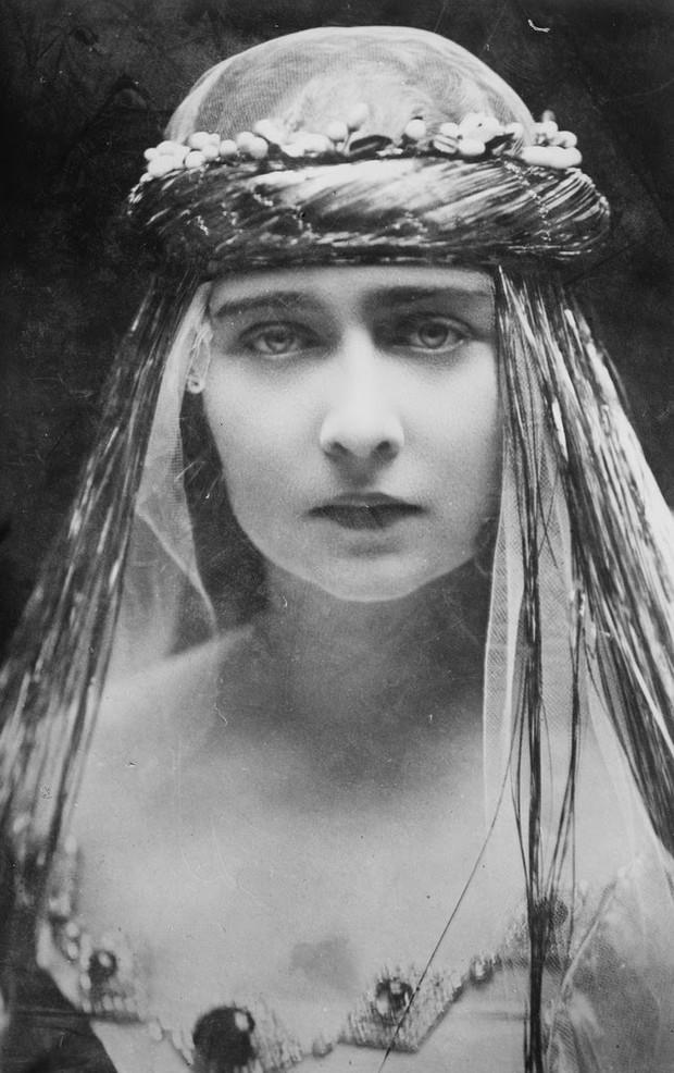 Ngắm loạt ảnh có niên đại hơn trăm năm tuổi để biết phụ nữ thời xưa đẹp đến thế nào - Ảnh 16.