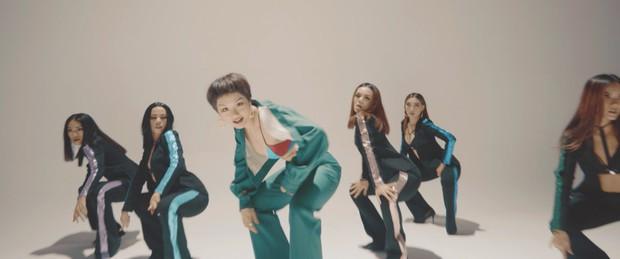Miu Lê diện trang phục táo bạo, khoe vòng 1 nóng bỏng trong MV Muốn phiên bản Dance - Ảnh 5.