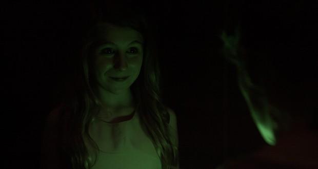 Mách fan phim kinh dị chơi trung thu làm sao cho ngầu: Bộ đôi tác phẩm về những kẻ thích đùa với quỷ dữ - Ảnh 2.