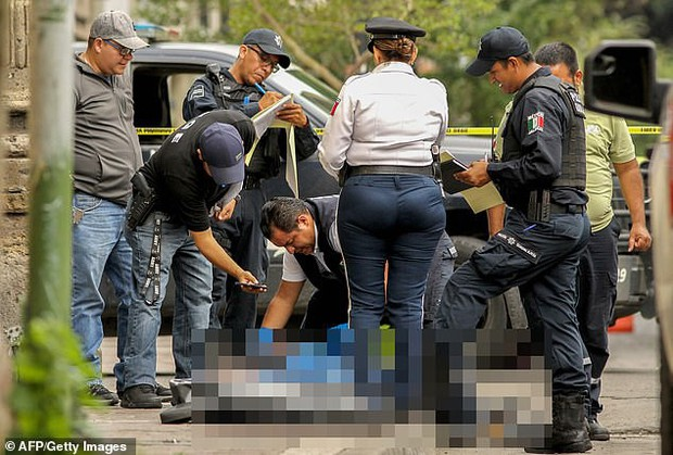 Mexico: Container chết chóc chứa 150 xác người vừa được di dời, cảnh sát lại phát hiện thêm một thi thể nằm gần đó - Ảnh 1.