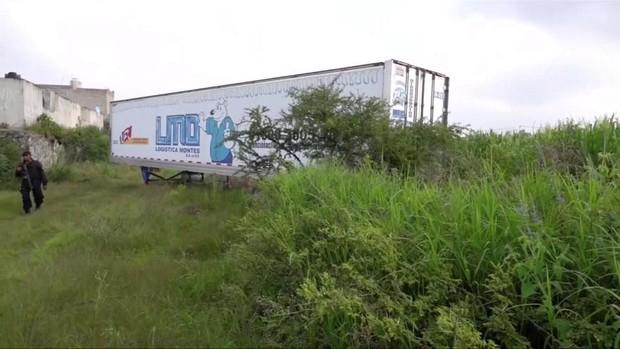 Mexico: Container chết chóc chứa 150 xác người vừa được di dời, cảnh sát lại phát hiện thêm một thi thể nằm gần đó - Ảnh 5.