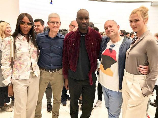 Nghe review nhanh iPhone XS Max của CEO Off-White kiêm Giám đốc thiết kế ngành hàng thời trang nam của Louis Vuitton - Ảnh 1.