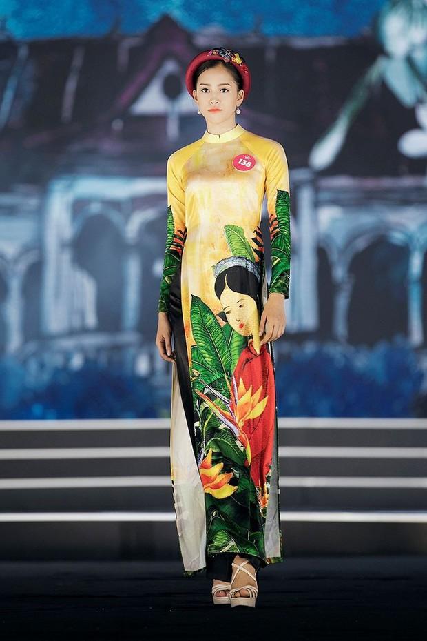 Giản dị như nàng Tân Hoa hậu, một đôi sandals cao gót mà mix được cả chục bộ đồ - Ảnh 5.