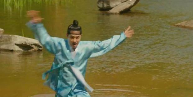 Lang Quân 100 Ngày: Bị đỉa cắn, Thế tử D.O. (EXO) chạy vội về nhà ăn vạ vợ! - Ảnh 2.