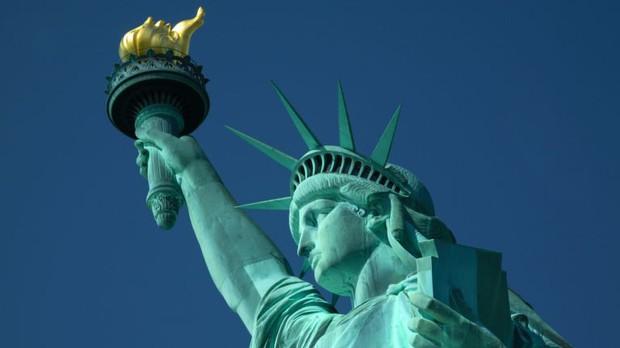 Sự thật ít người biết đằng sau bức tượng Nữ thần Tự do nổi tiếng nhất nước Mỹ - Ảnh 1.