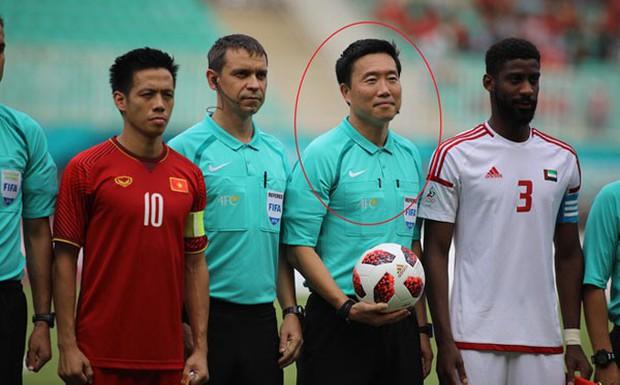 Fan Hàn Quốc thất vọng, gọi trọng tài bắt chính trận Việt Nam và UAE là nỗi xấu hổ - Ảnh 1.