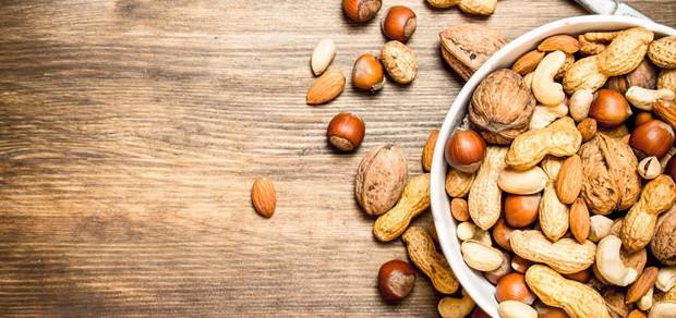 Ngoài cafe thì 6 loại thực phẩm này cũng được khuyên là không nên dùng trước khi đi ngủ - Ảnh 3.
