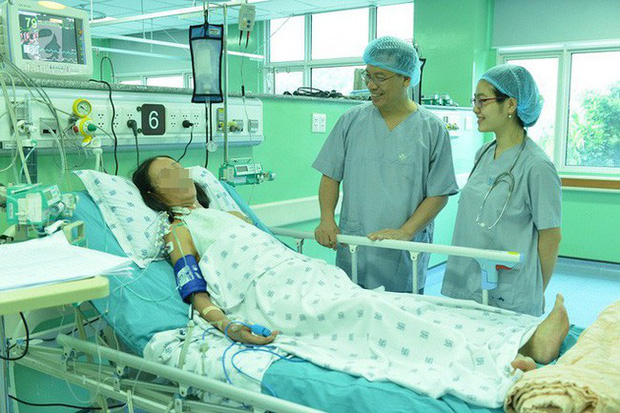 Quảng Bình: Bé gái 5 tuổi mỗi lần bú là tím tái, cha mẹ biết con mang bệnh tim hiếm gặp nhưng định buông xuôi vì quá nghèo - Ảnh 3.