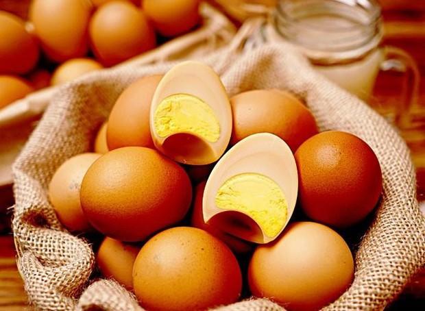 Ai cũng sợ ăn trứng gà làm tăng cholesterol nhưng mỗi ngày ăn một quả trứng gà sẽ nhận được lợi ích ai cũng muốn như sau - Ảnh 5.