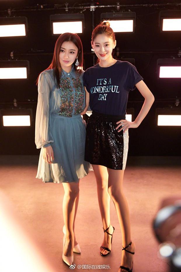 Hai Phú Sát Hoàng Hậu Tần Lam - Đổng Khiết đụng độ nhan sắc: Người như tiên nữ, kẻ lộ già nua - Ảnh 15.