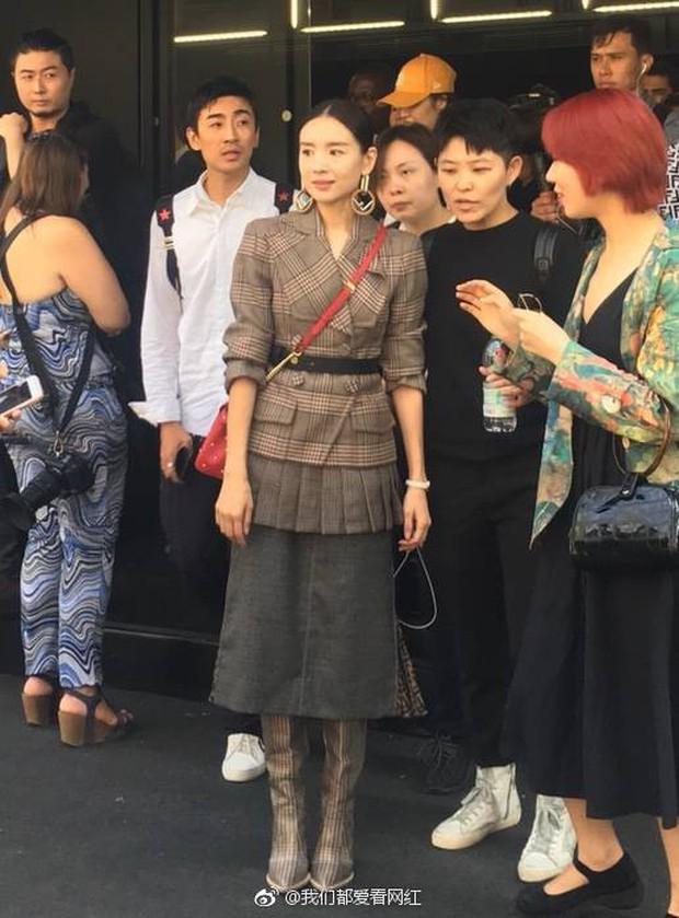 Hai Phú Sát Hoàng Hậu Tần Lam - Đổng Khiết đụng độ nhan sắc: Người như tiên nữ, kẻ lộ già nua - Ảnh 5.