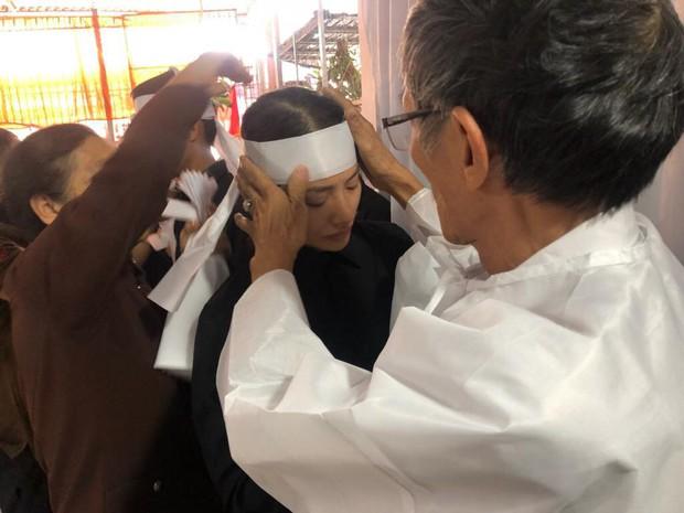 Loạt sao Việt gửi lời chia buồn khi biết tin mẹ của Yaya Trương Nhi qua đời vì bệnh ung thư - Ảnh 1.