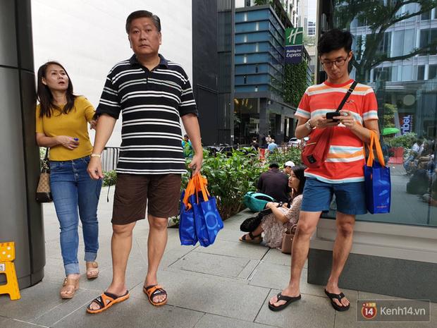 Vừa mua được iPhone mới, dân buôn Việt Nam đã nháo nhào bán lại máy giá gốc nhưng chẳng ai thèm ngó ngàng - Ảnh 12.