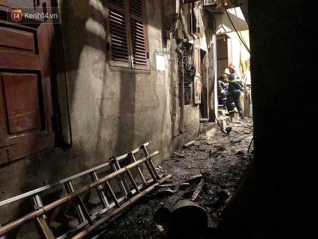 Phát hiện phần thi thể trong vụ cháy dãy trọ cạnh viện nhi Trung ương - Ảnh 8.