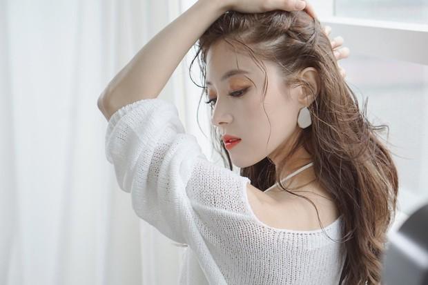 Sao nhí Nàng Dae Jang Geum một thời tung ảnh hậu trường đẹp mê hồn, đáng chú ý là chiếc mũi sắc lẹm của cô - Ảnh 3.