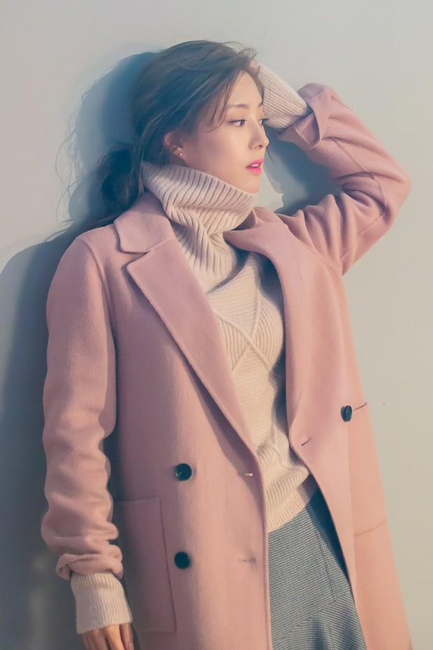 Sao nhí Nàng Dae Jang Geum một thời tung ảnh hậu trường đẹp mê hồn, đáng chú ý là chiếc mũi sắc lẹm của cô - Ảnh 11.