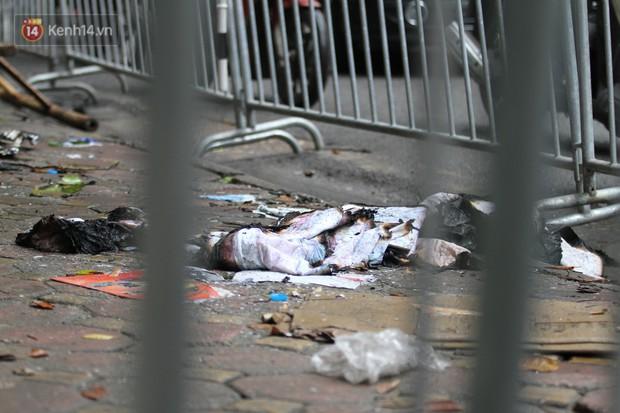 Cập nhật: Phát hiện 2 vật thể nghi sọ người chết trong vụ cháy dãy trọ cạnh viện nhi Trung ương - Ảnh 3.