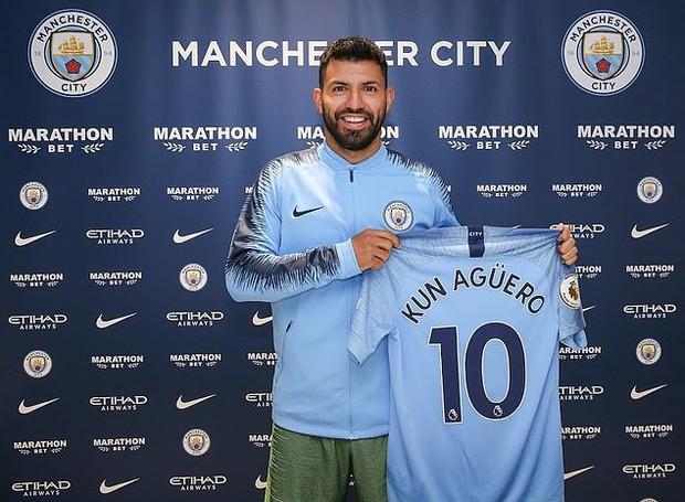 CHÍNH THỨC: Aguero nguyện chung tình với Man City 10 năm tròn - Ảnh 1.