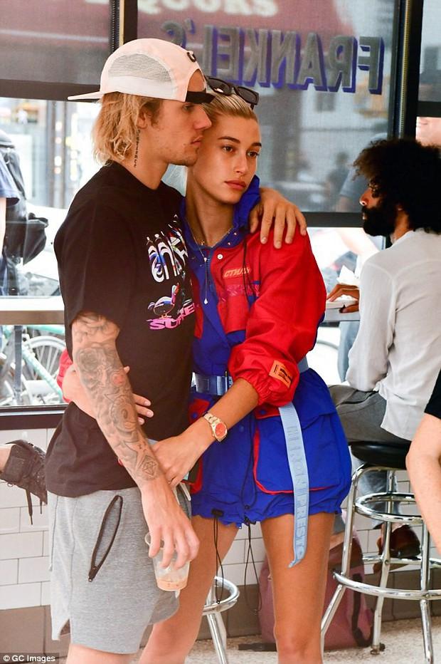 Justin Bieber đưa Hailey đến khách sạn giá 300 triệu một đêm ở Ý, có thể làm đám cưới trong vòng 53 ngày - Ảnh 1.