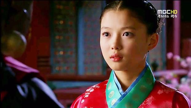 6 năm trước còn là diễn viên phụ, giờ dàn sao nhí Mặt Trăng Ôm Mặt Trời đã thống trị màn ảnh Hàn! - Ảnh 5.
