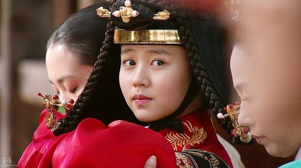 6 năm trước còn là diễn viên phụ, giờ dàn sao nhí Mặt Trăng Ôm Mặt Trời đã thống trị màn ảnh Hàn! - Ảnh 8.