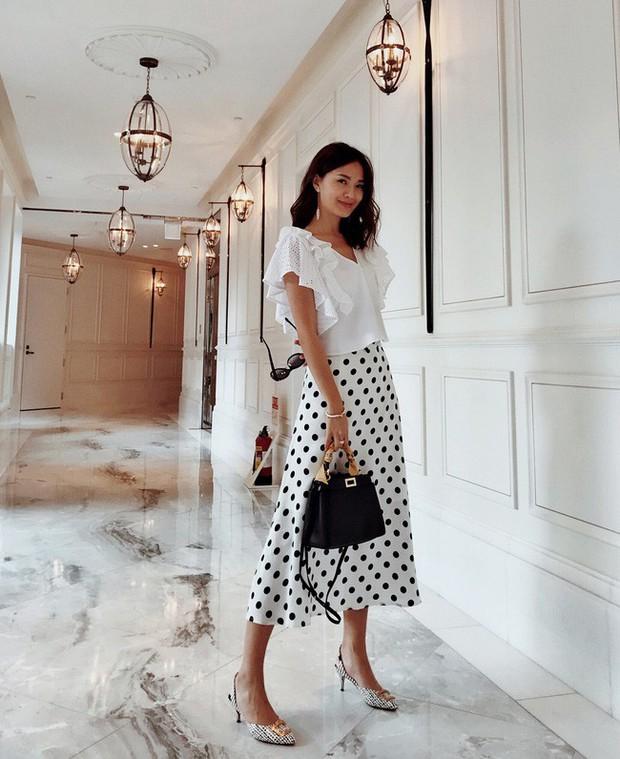 Chân ngắn hay dài mặc lên đều cao ráo tức thì với 15 công thức mix đồ thú vị từ chân váy midi - Ảnh 12.
