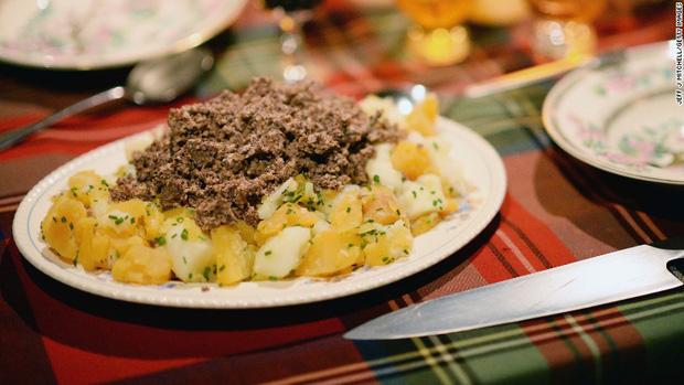 Khám phá món dồi được mệnh danh là Quốc ẩm của người Scotland - Ảnh 5.