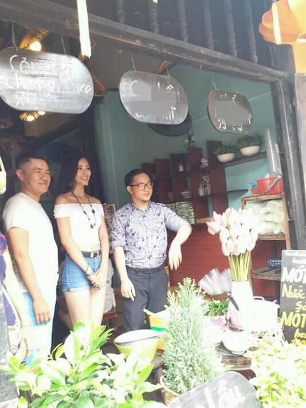 Vừa về đến quê nhà, Hoa hậu Tiểu Vy đã gây sốt với khoảnh khắc đời thường cực xinh đẹp và gợi cảm - Ảnh 3.