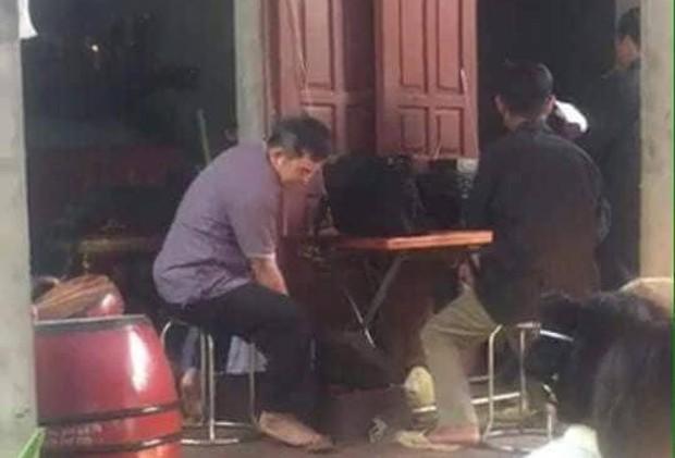 Phú Thọ: Thương tâm bé gái 10 tuổi bất ngờ bị vật sắc nhọn cứa đứt cổ, tử vong trên đường đi cấp cứu - Ảnh 2.
