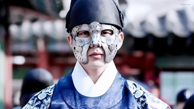 Nhan sắc chói chang của 5 Thế tử nhà mặt phố, bố làm to nổi tiếng màn ảnh Hàn - Ảnh 4.