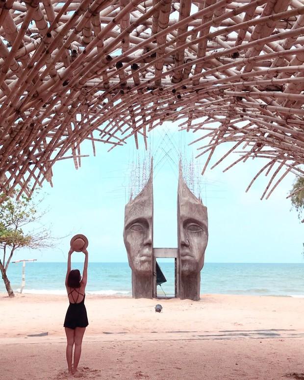 Travel blogger quốc tế lũ lượt check-in cổng trời đẹp miễn chê, bất ngờ là nó ở ngay tại Phú Quốc! - Ảnh 1.