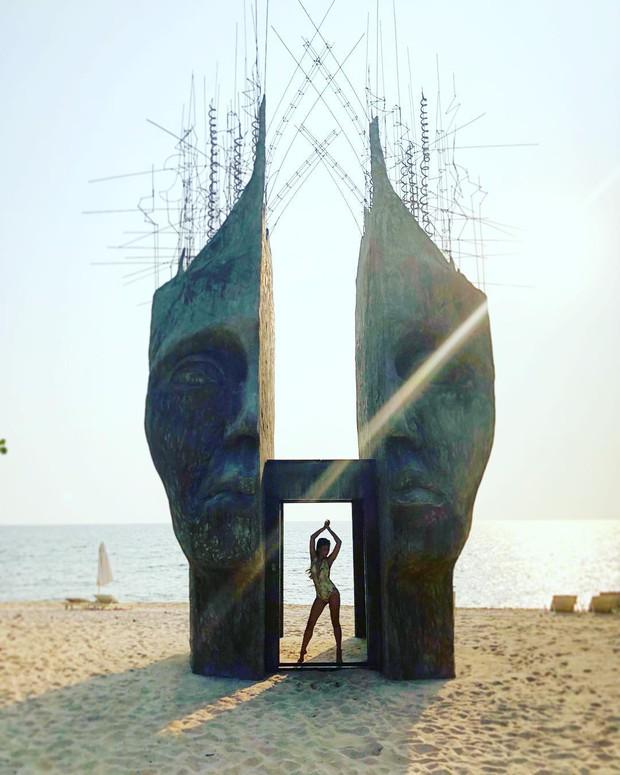 Travel blogger quốc tế lũ lượt check-in cổng trời đẹp miễn chê, bất ngờ là nó ở ngay tại Phú Quốc! - Ảnh 4.