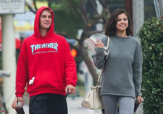 Selena bỗng tiết lộ Không bao giờ quên được người yêu cũ giữa lúc Justin và Hailey chuẩn bị làm đám cưới - Ảnh 2.