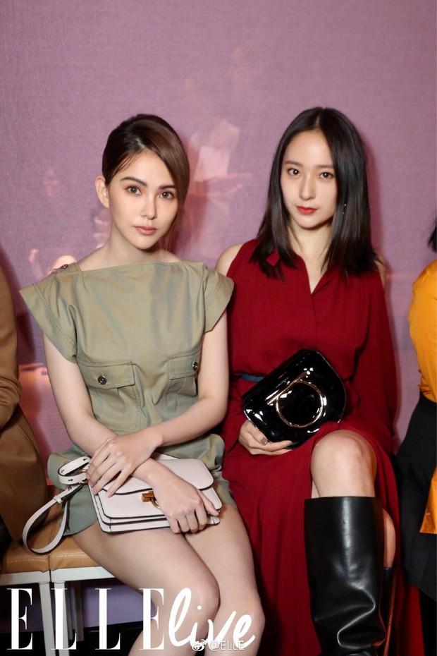 Sau khi bị chê già liên tiếp, Krystal chọn đồ đỏ nổi bật, lấn át Côn Lăng tại Milan Fashion Week - Ảnh 4.