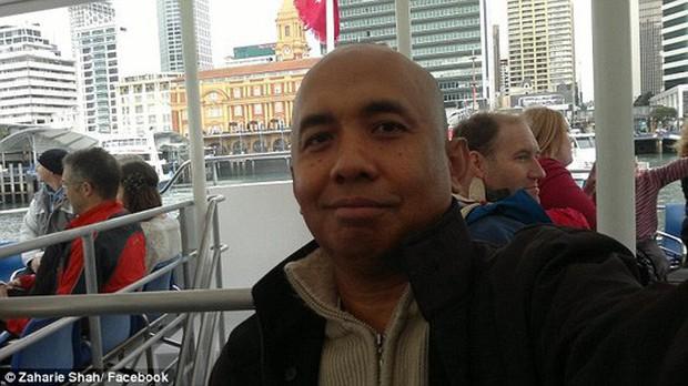 Lộ tin nhắn gạ tình của phi công MH370 trước khi máy bay mất tích - Ảnh 1.