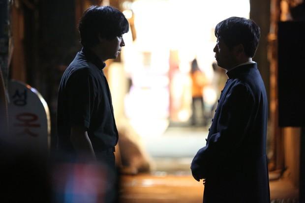 5 bộ phim diệt quỷ đỉnh cao của Hàn Quốc không xem chắc chắn phí cả đời - Ảnh 6.
