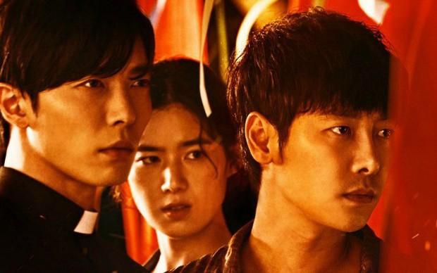5 bộ phim diệt quỷ đỉnh cao của Hàn Quốc không xem chắc chắn phí cả đời - Ảnh 9.