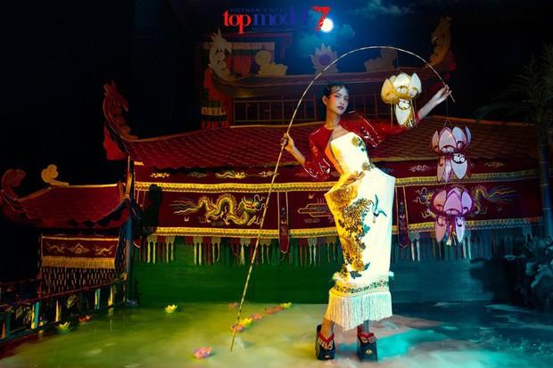 Bạn có nhớ Trung thu 2 năm trước, chỉ với 10 cú bấm máy mà Fung La đã có tấm hình múa lân đẹp xuất sắc! - Ảnh 6.