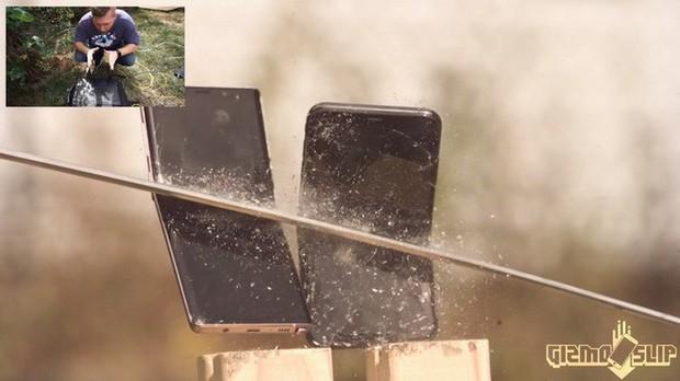 Thử chém iPhone XS Max và Galaxy Note 9 bằng kiếm Nhật: Còn đâu thân hình kiều diễm nữa! - Ảnh 2.