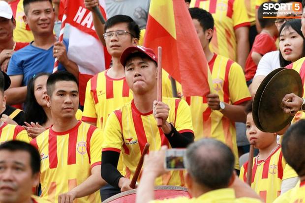 Nam Định, HAGL vô đối về lượng CĐV tại V.League 2018 - Ảnh 1.