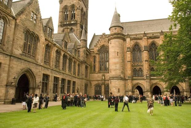 Những ngôi trường cổ kính bậc nhất thế giới với lối kiến trúc hoàng gia khiến ai cũng muốn một lần đặt chân đến - Ảnh 2.